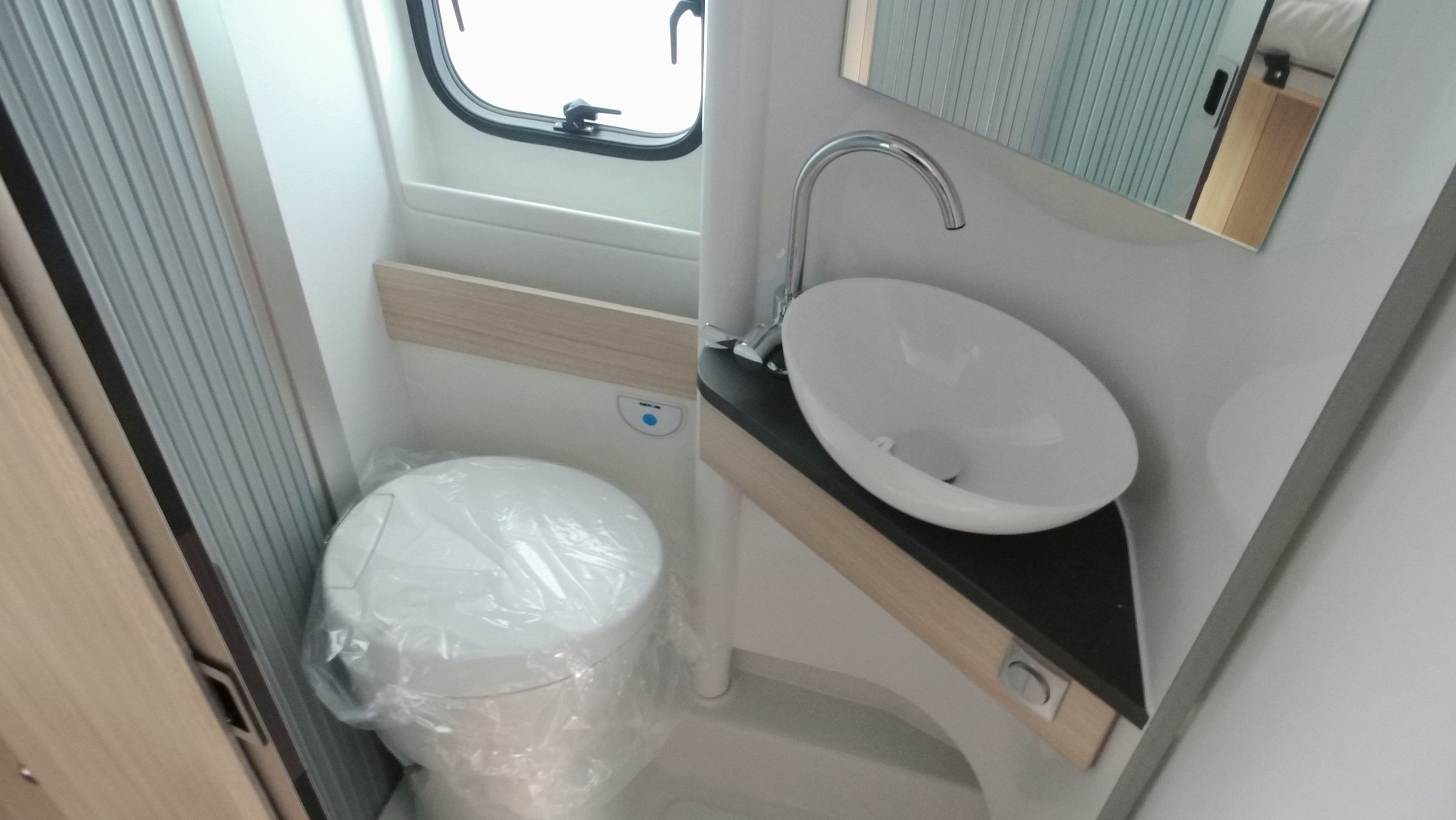 Prime Adria Twin Plus 640 H Slb Automaat Nieuw De Haan Campers Unemploymentrelief Wooden Chair Designs For Living Room Unemploymentrelieforg